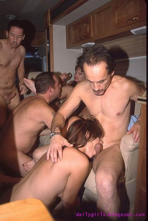 30 garces a gros seins se presentent a vous en images 4